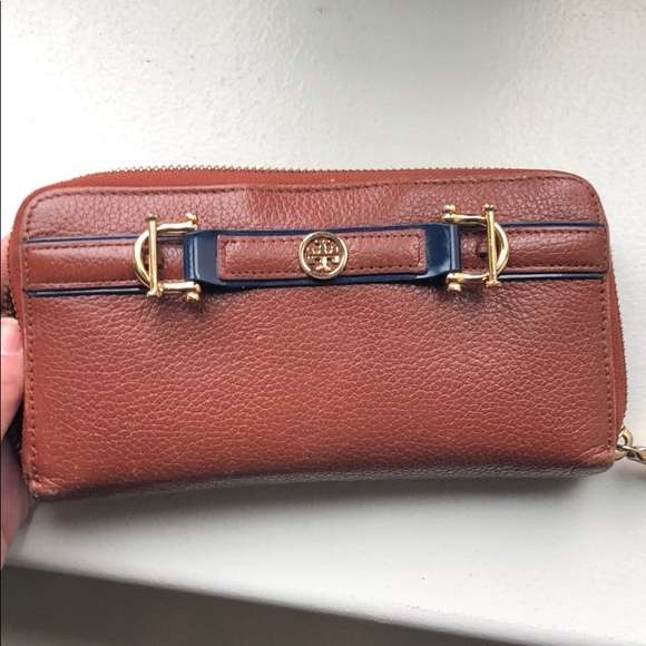 Tory Burch Handbags - Tory Burch large brown leather wallet